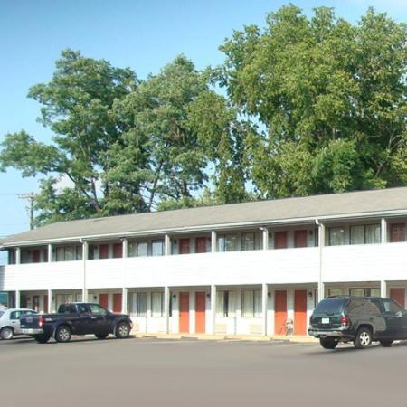 Paragon Inn Hillsboro OHExterior