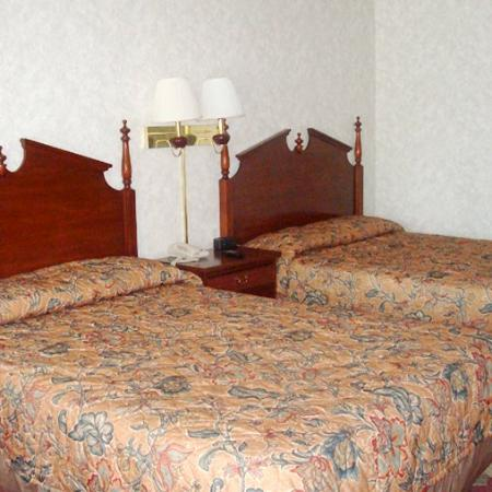 Paragon Inn Hillsboro OH Beds