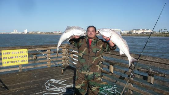 Oh yeah picture of galveston 39 s 61st street fishing for Galveston jetty fishing report