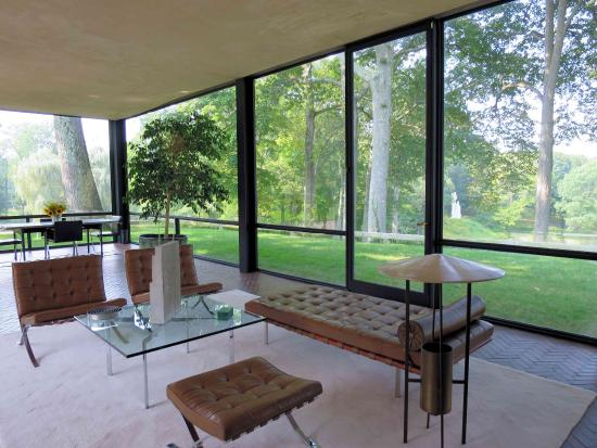The glass house living room foto di the philip johnson for The glass house plan