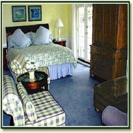 The Colonial Terrace: Guest Room
