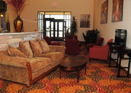 Comfort Suites Altoona: Lobby