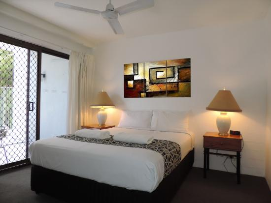 Cloud Nine Luxury Apartments: Apartment 2 Main bedroom