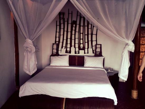 Banjar, Indonesien: Our MOST comfortable bed!