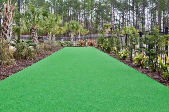 Holiday Inn Dothan: Putt-Putt Course
