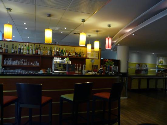 Ibis Styles Antibes: Bar