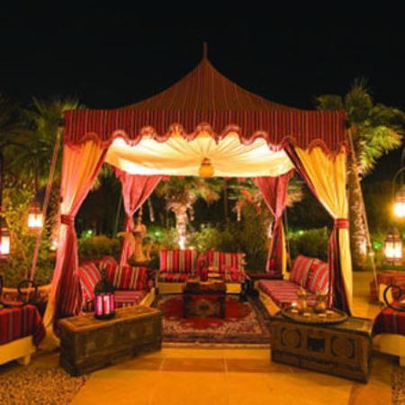 JA Palm Tree Court: Arabic Terrace