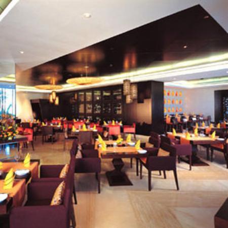 JA Palm Tree Court: Ibn Majed Restaurant