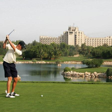 JA Palm Tree Court: JAGRS Golfer On Resort Course