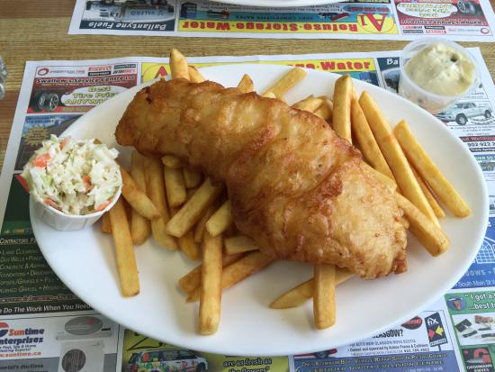 Westville, Канада: Super friendly service and fabulous fish and chips!