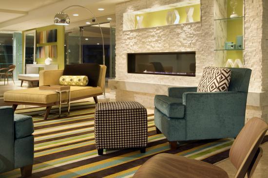 The Belamar Hotel: Lobby