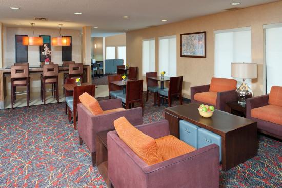 Sonesta ES Suites Minneapolis - St. Paul Airport: Lobby