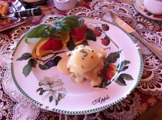 The Pine & Picket B&B: Breakfast 2