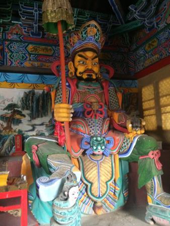 Dazhao Temple : Статуи на входе