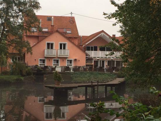 Schmelz, Alemania: Aussenansicht Gästehaus vom Garten!