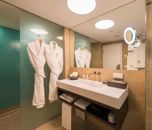 Badezimmer Modern Picture Of Hotel Im Wasserturm Cologne