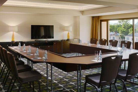 Firdousi Meeting Room
