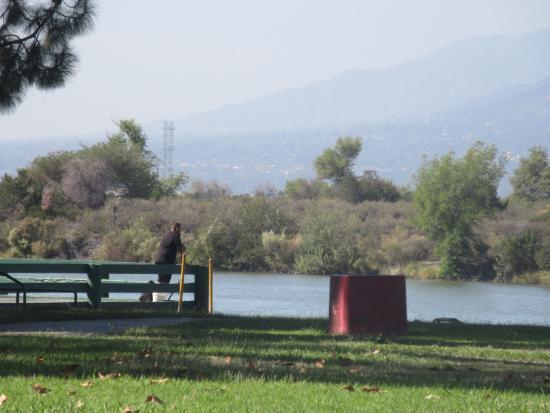 Fishing dock sante fe recreation area irwindale ca for Santa fe dam fishing