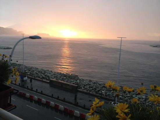 لا ديمورا دي باروني: Sonnenaufgang vom Zimmerbalkon