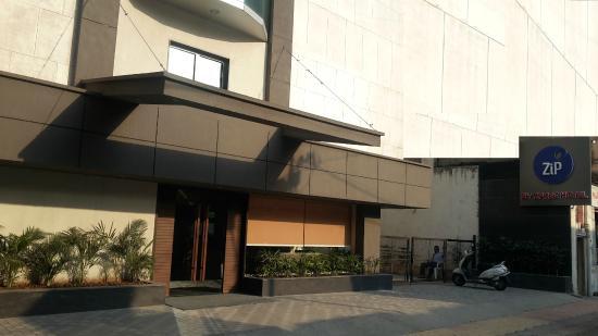 ZiP by Spree Hotels Vadodara: Facade
