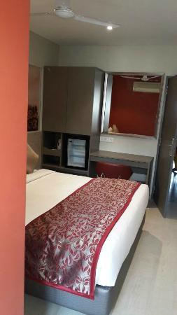 ZiP by Spree Hotels Vadodara: Executive Room