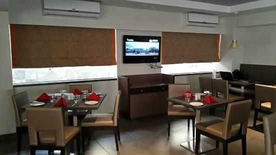 ZiP by Spree Hotels Vadodara: Treat All Day Dining