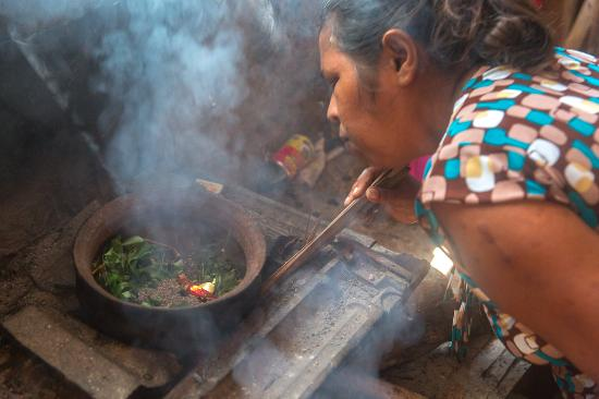 White House: Cooking class with Chamila