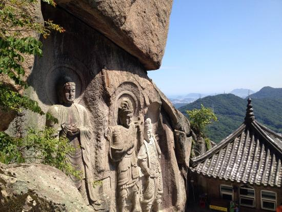 Seokbulsa Temple Picture Of Seokbulsa Temple Busan Tripadvisor