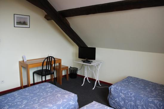 Avesnelles, France : chambre