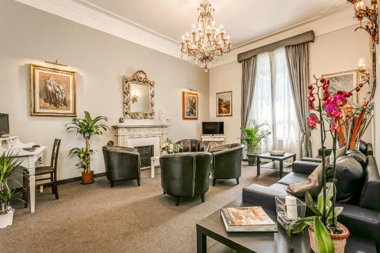 Hotel Arno Bellariva: Sala TV