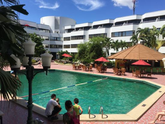 Amari Don Muang Airport Bangkok Swimming Pool