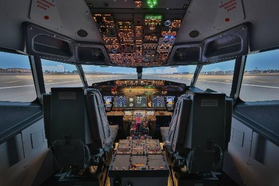 cockpit gosselies european flight simulatorの写真 トリップ