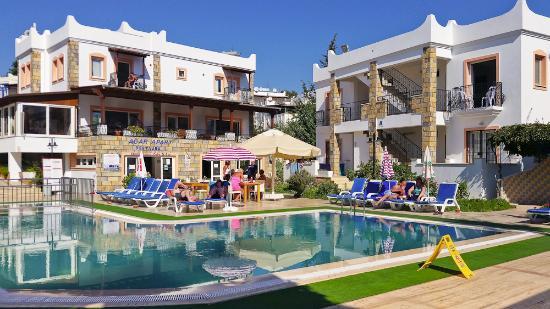 Agar Apartments: Pool Area