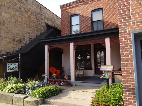 Mineral Point, WI: High Street Sweets-Suites and Candy Shop