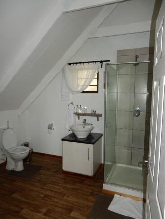 Upstairs en suite