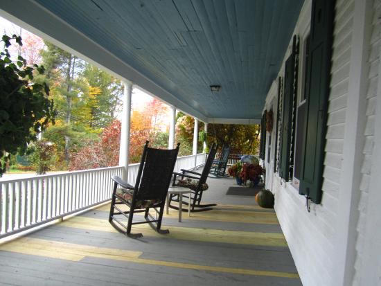 Shaker Hill Bed and Breakfast: Front porch with rocking chairs