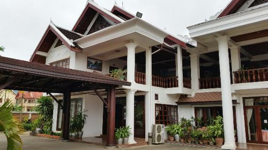 Manoluck hotel reviews price comparison luang prabang for Luang prabang hotels 5 star
