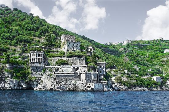 Villa Scarpariello Relais: Join us in a fantasy tale! The Villa from the sea