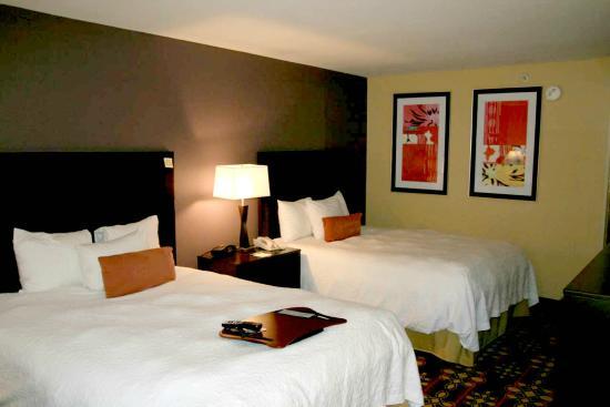 Hampton Inn Killeen : Queen Beds Guest Room