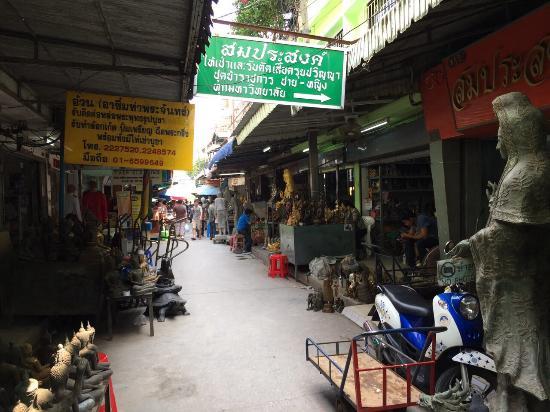 Pasar Ta Prachan