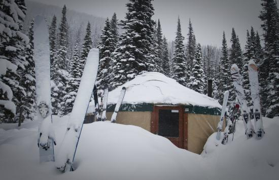 Montana Alpine Adventures: Bell Lake Yurt