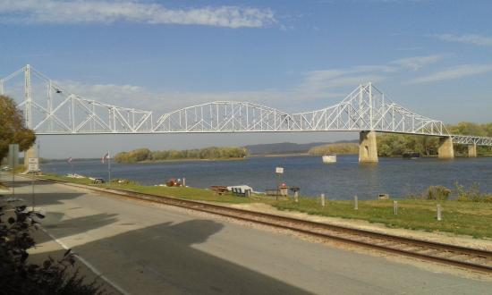 Lansing, IA: Bridge crossing the Mississippi river to Wisconsin -