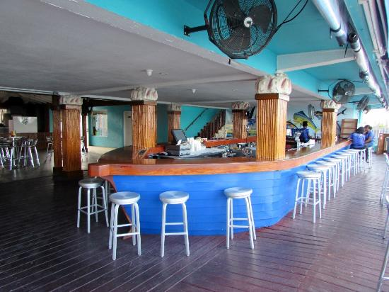 Bimini: Bar area was open to patio