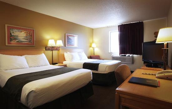 Super 8 Spirit Lake/Okoboji : Room with 2 Double Bebs