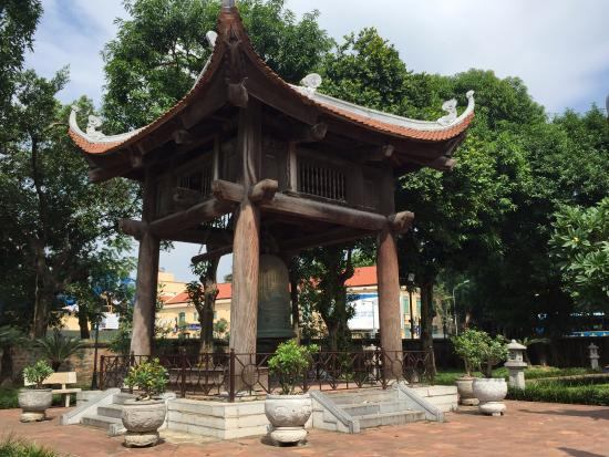 HanoiKids Tour: Temple of Literature