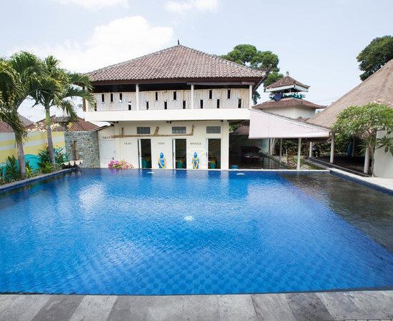 The Chillhouse - Bali Surf and Yoga Retreats, hôtels à Canggu