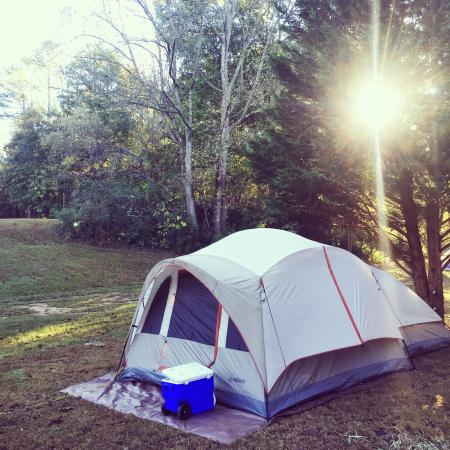 Etowah River Campground: Lots of space. Our site was open to the campground on one side with the creek and woods on the o