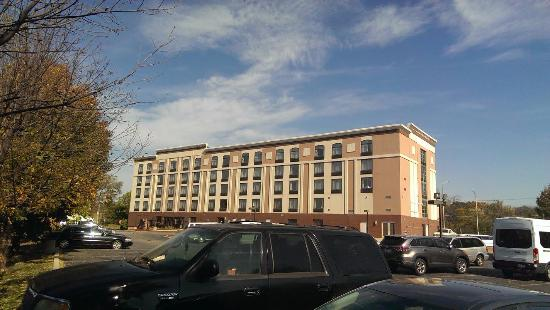 Prospect Heights, IL: Rear view of the hotel