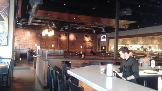 Main Hall Picture Of Bj S Restaurant Brewhouse Towson Tripadvisor