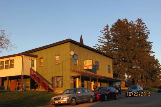 Hooterville Inn